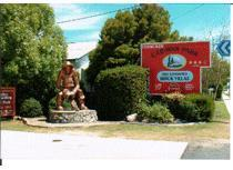 Fossicker Caravan Park Glen Innes Logo and Images