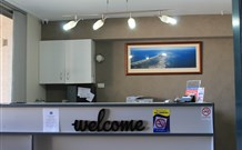 Lakeview Motor Inn - Belmont Logo and Images
