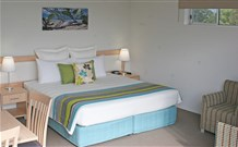 Quality Suites Pioneer Sands - Wollongong Logo and Images