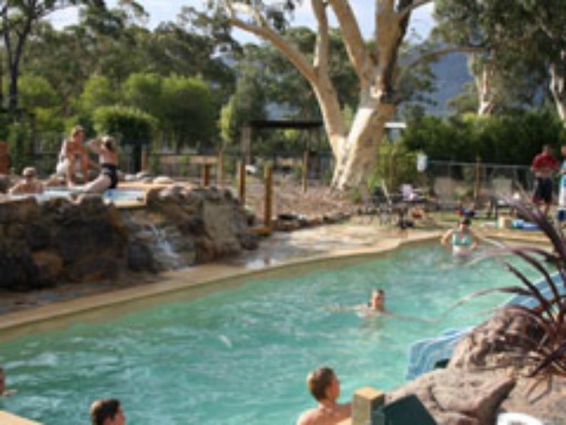 Banksia Park Cottages Logo and Images