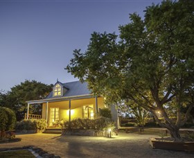 Vineyard Cottages and Cafe