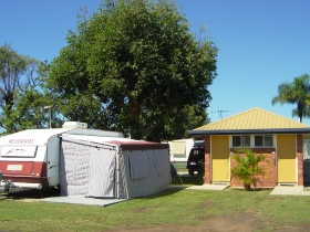Bundaberg East Cabin and Tourist Park Logo and Images