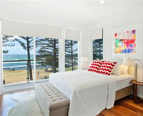 Bujerum Apartments on Burleigh Logo and Images