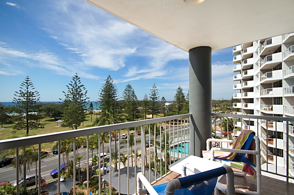Sandpiper Apartments Broadbeach Image