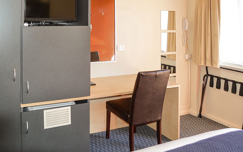BEST WESTERN Taree Motor Inn Logo and Images