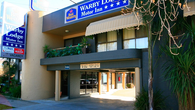 BEST WESTERN Warby Lodge Motor Inn Logo and Images