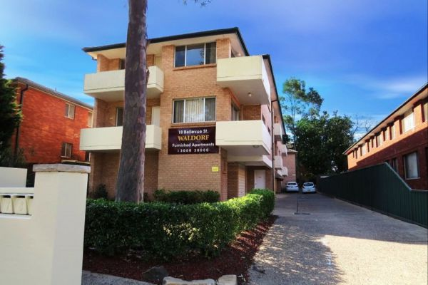 Parramatta Serviced Apartments Logo and Images