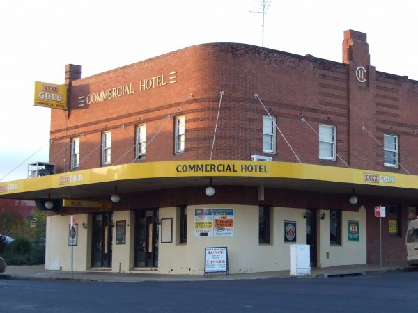 Commercial Hotel Parkes Logo and Images