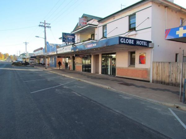 Globe Hotel Bombala Logo and Images