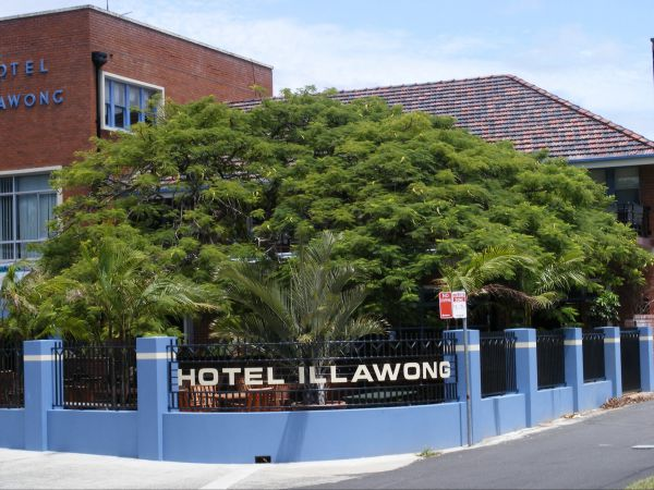 Illawong Hotel Logo and Images