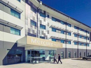 Mercure Newcastle Airport Logo and Images