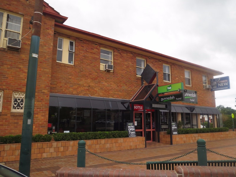 Gunnedah Hotel Logo and Images