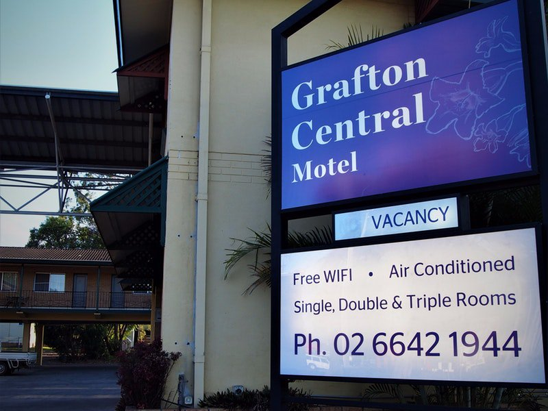 Grafton Central Motel Logo and Images
