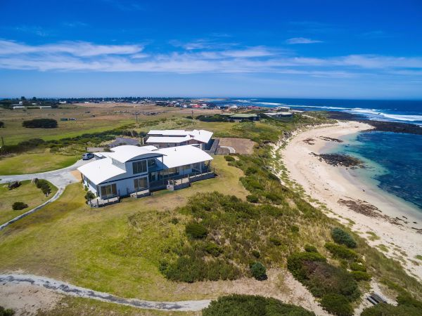 Wytonia Beachfront Accommodation - Cottages for Couples Image