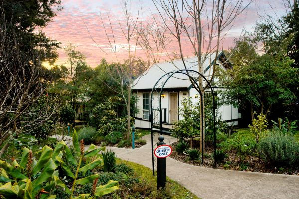 Olinda Country Cottages Image