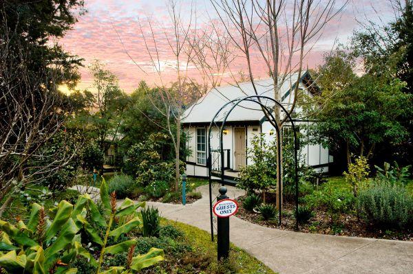 Olinda Country Cottages Image