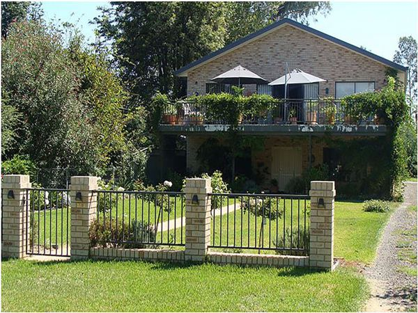 Selina Street Bed and Breakfast Image