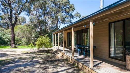 Surf Coast Cabins in Aireys Inlet Logo and Images