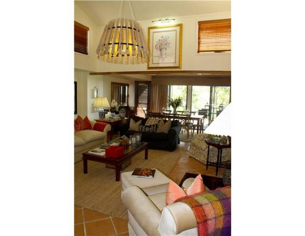 Arabella on Buderim Guesthouse Logo and Images