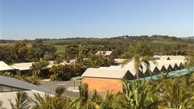 McLaren Vale Motel & Apartments Logo and Images