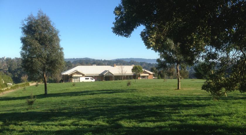 Farm Accommodation Logo and Images