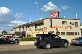 A & A Lodge Motel Image