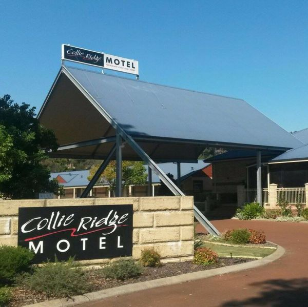 Collie Ridge Motel Logo and Images