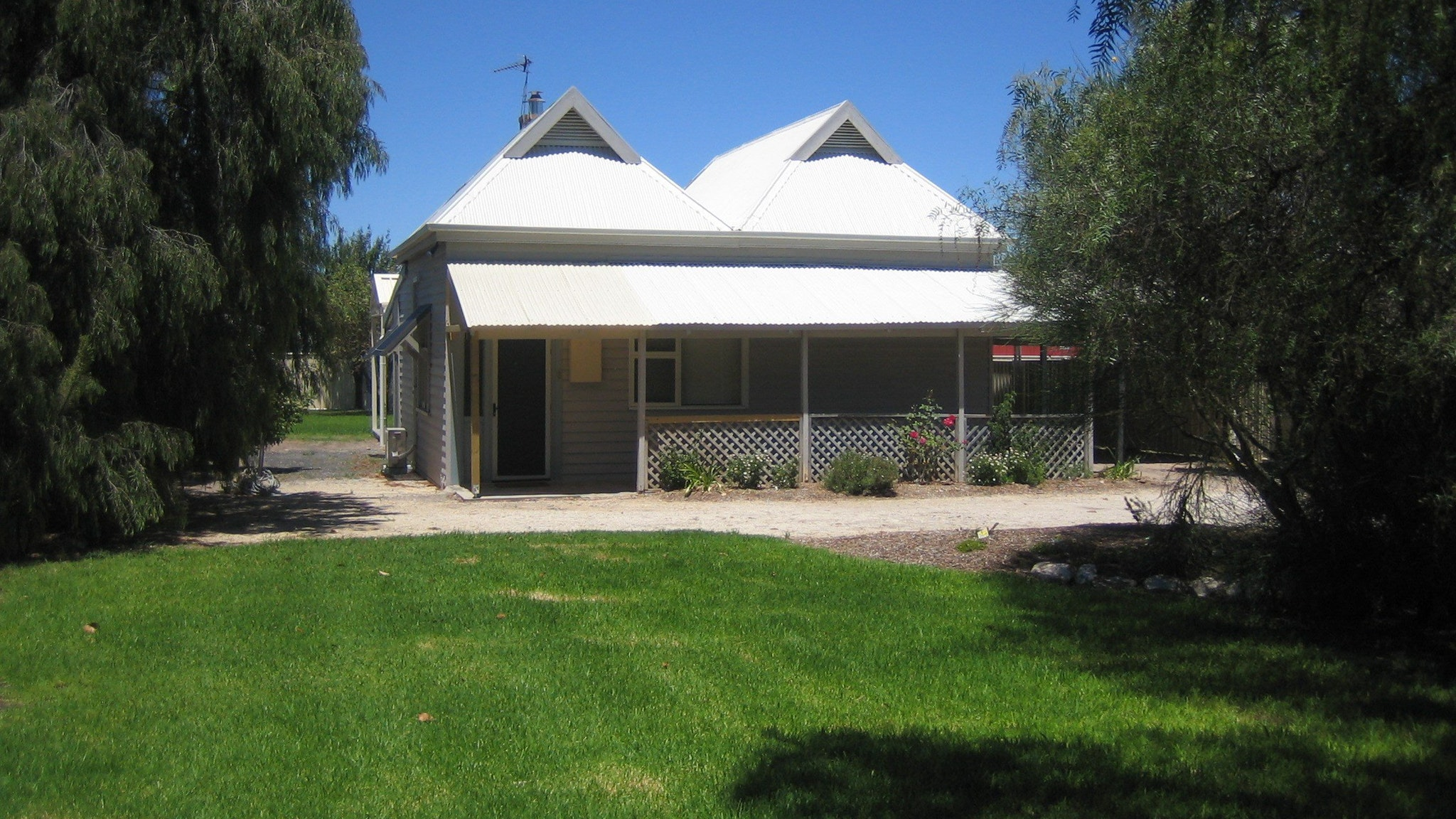 Naracoorte � Showgrounds Cottage Image