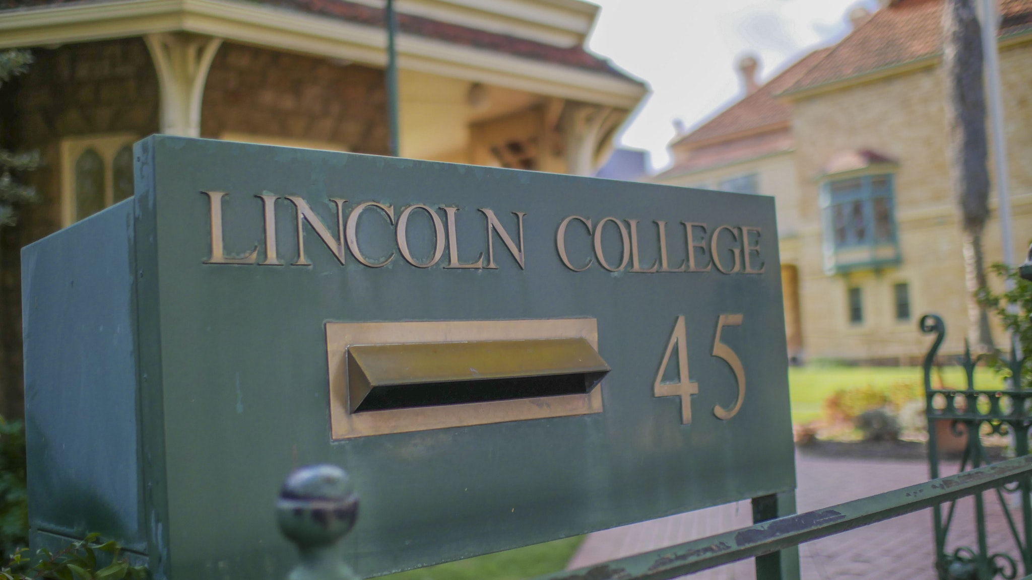 Lincoln College Logo and Images