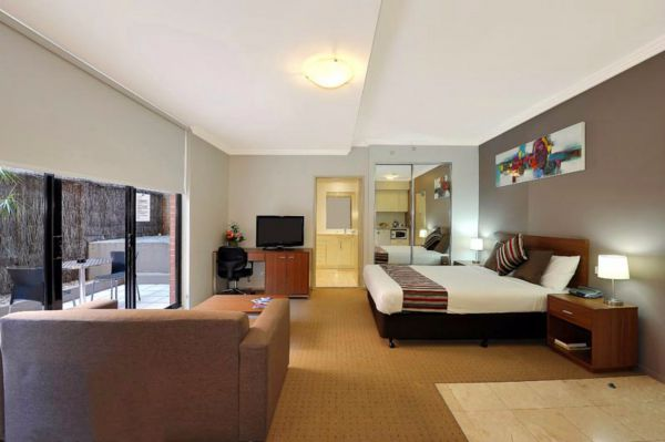 APX Apartments Darling Harbour Logo and Images