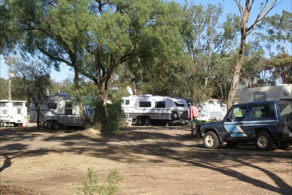 Inglewood Motel and Caravan Park