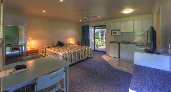 Leanda Lei Apartments Image