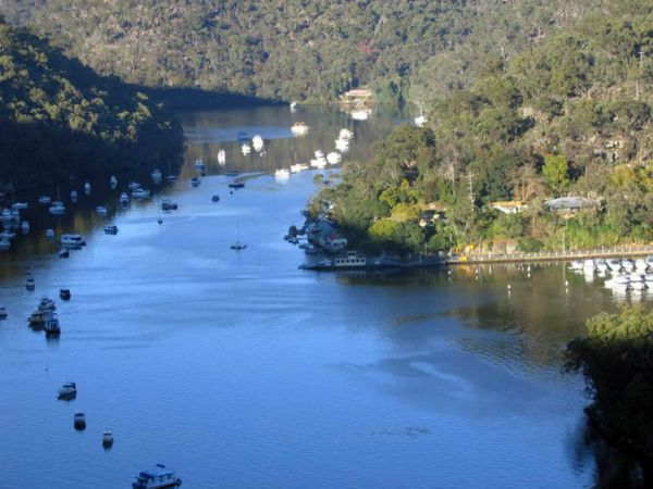 Riverside Escape on Berowra Waters Logo and Images