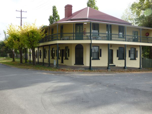 Tenterfield Lodge and Caravan Park Image