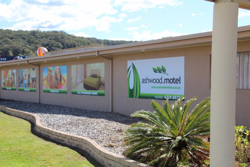 Ashwood Motel Logo and Images