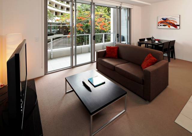 Cairns Luxury Apartments Logo and Images