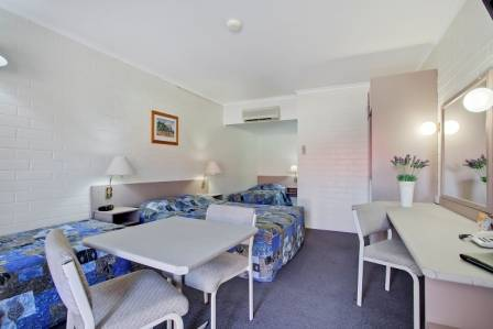 Comfort Inn Goondiwindi Logo and Images