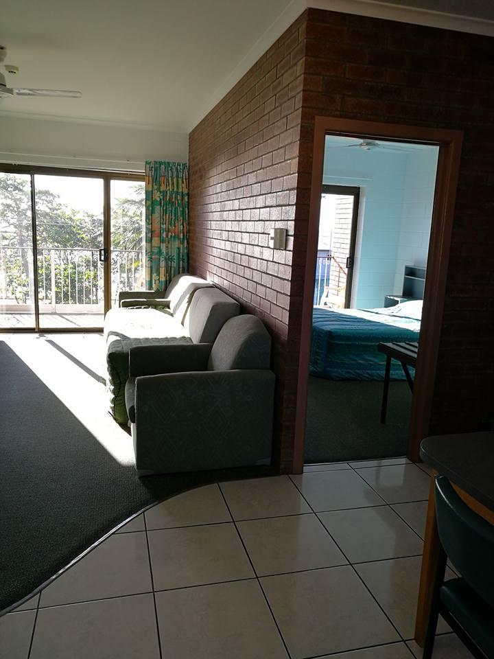 Sandpiper Motel Image