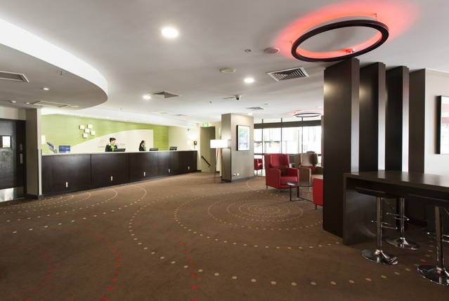 Holiday Inn Townsville Logo and Images