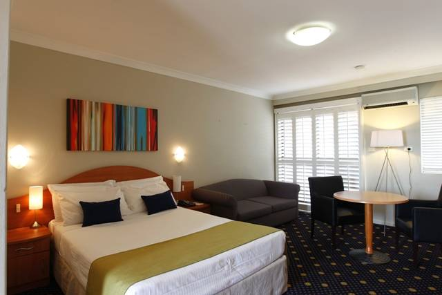Ibis Styles Sydney Lansvale Logo and Images