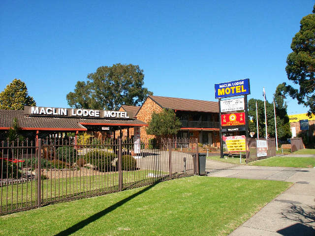 Maclin Lodge Motel Logo and Images