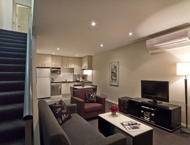 Meriton Serviced Apartments Danks Street, Waterloo Logo and Images