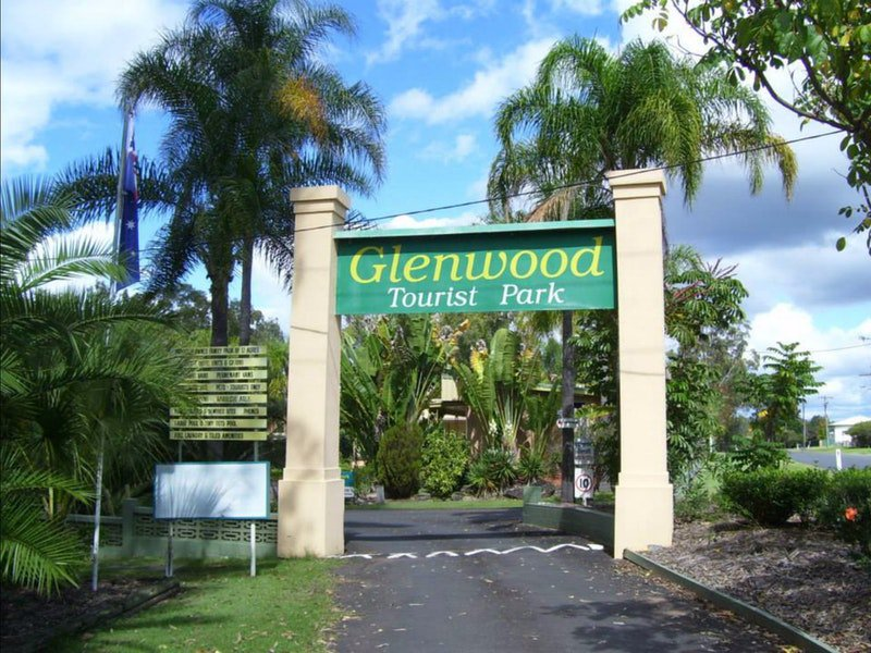 Glenwood Tourist Park and Motel Logo and Images