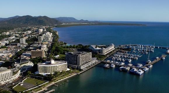 Hilton Cairns Image