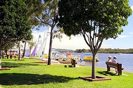 Noosa Place Resort Logo and Images