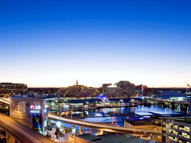 Parkroyal Darling Harbour, Sydney Logo and Images