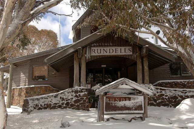 Rundells Alpine Lodge Logo and Images
