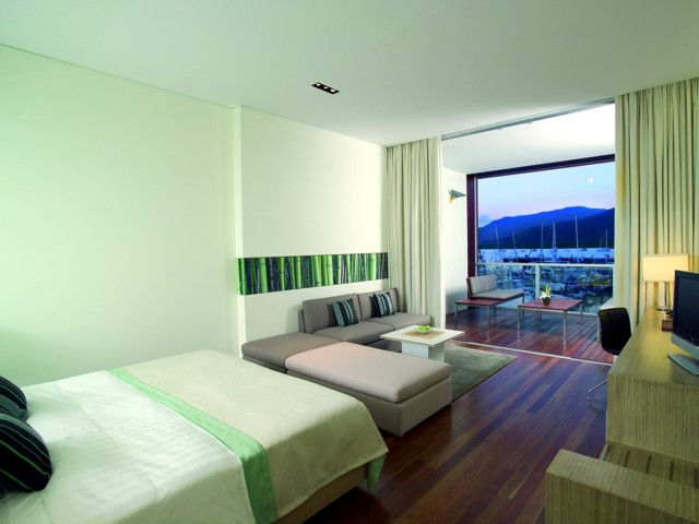 Shangri-La Hotel, The Marina, Cairns Logo and Images