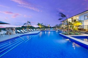 Sails Resort Port Macquarie by Rydges Logo and Images
