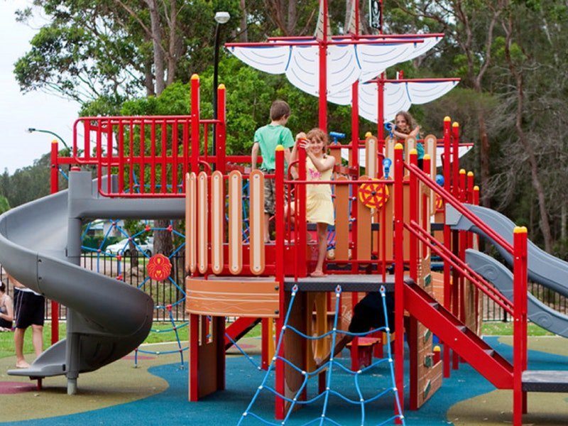 Racecourse Beach Tourist Park Logo and Images